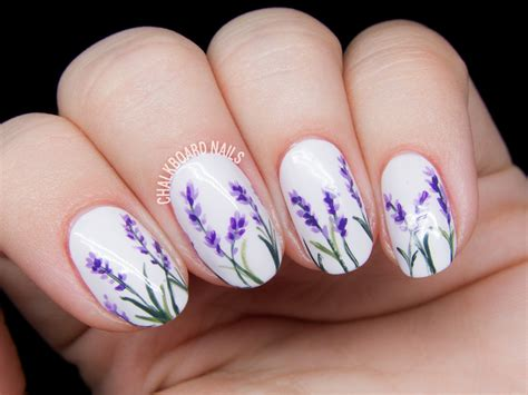 Nails Blumen by Lavender Blossoms Floral Nail Chalkboard Nails