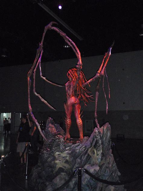 amazing life sized starcraft queen of blades statue photo kerrigan starcraft mark newman ray v page 3