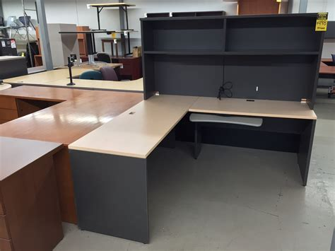 pre owned office desks office interiors products pre owned furniture