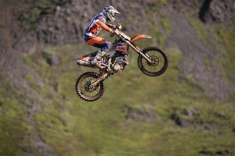 how to jump a motocross bike file motocross jump 2008 jpg