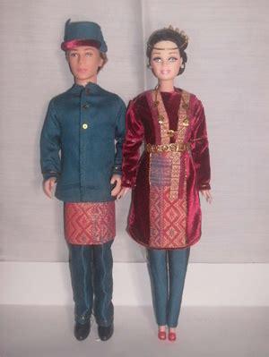 Baju Rajutan Boneka 13 fenomena dunia unik lucunya boneka ala berbusana adat indonesia