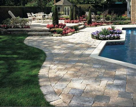Patio Paver Calculator How To Calculate Brick Pavers For A Patio Homesfeed