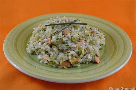 risotto con fiori di zucca bimby risotto con salmone e zucchine la ricetta di gnam gnam