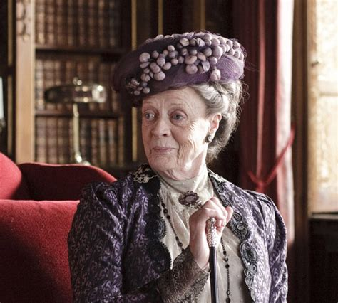 actress game of thrones and downton abbey maggie smith wins best supporting actress emmy beats