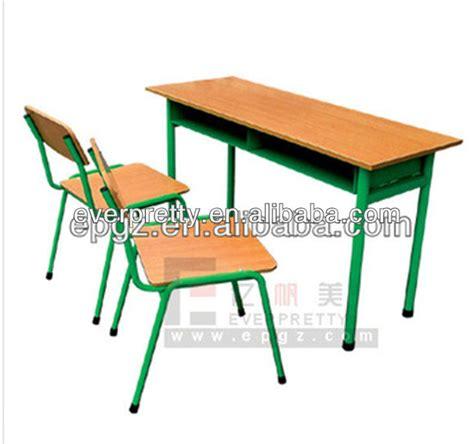 banco di scuola antico vecchi banchi di scuola antico scuola scrivania e sedia