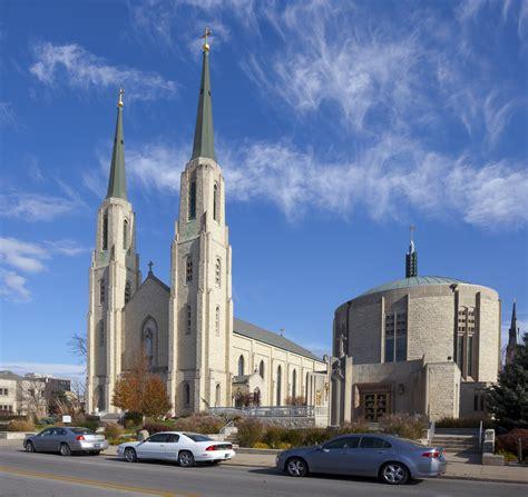 Archivo:Catedral Católica de la Inmaculada Concepción, Fort Wayne, Indiana, Estados Unidos, 2012