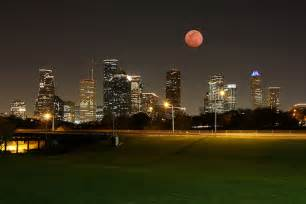 houston photographers houstonist flickr photo of the day lunar eclipse downtown houston houstonist