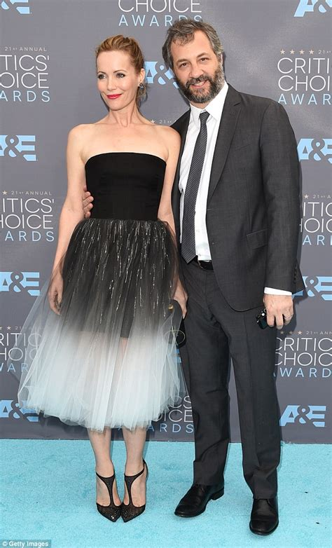 judd apatow the critic leslie mann oozes elegance at critic s choice awards with