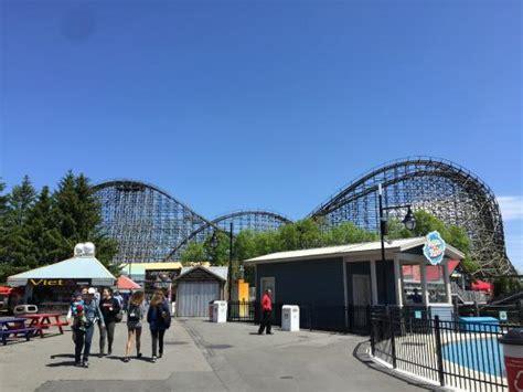 theme park quebec le monstre picture of la ronde amusement park montreal