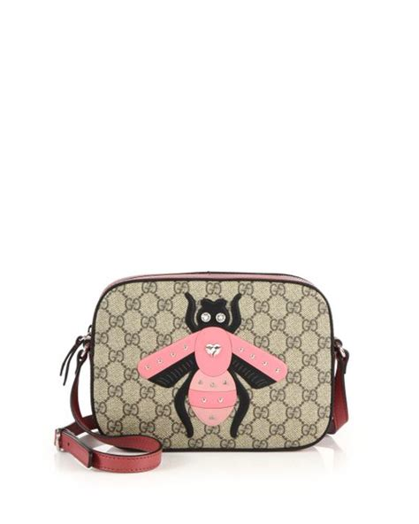 Gucci Amelia Gg Bee Cluth gucci gg supreme bee canvas and leather shoulder bag in lyst