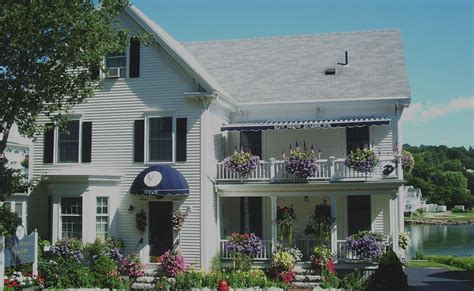 boothbay harbor bed and breakfast boothbay harbor maine b and b lodging inn waterfront