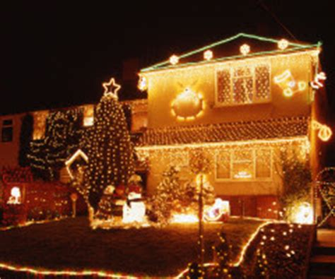 top landscape outdoor christmas lighting safety tips