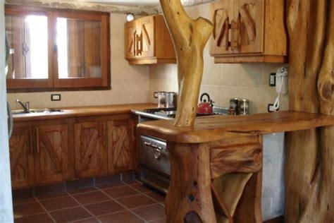maderas para cocinas cocinas rusticas como decorar madera