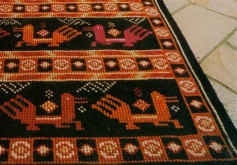 tappeti punto croce professione donna tappeto a punto croce su canovaccio