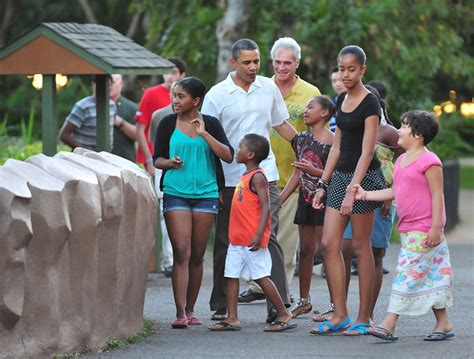 vacation like the president at obama s hawaii vacation barack obama in president obama and family spend final