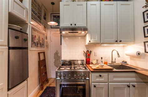 rooms for rent in nyc for couples 242 square foot west nest asks 3k month 6sqft