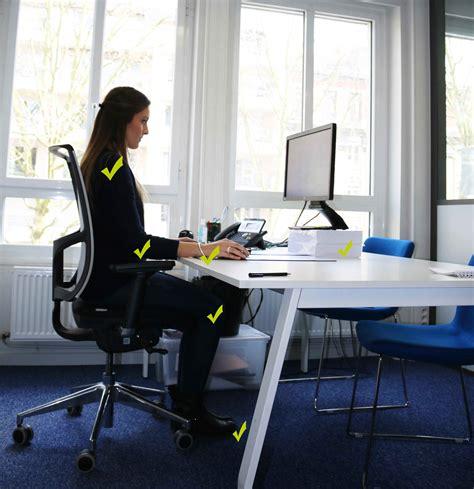 au bureau nos conseils pour adopter une bonne posture au bureau