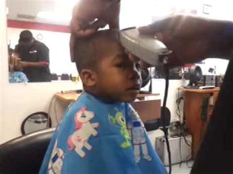 one year old hair cut how to cut a 1 year old 1st hair cut youtube