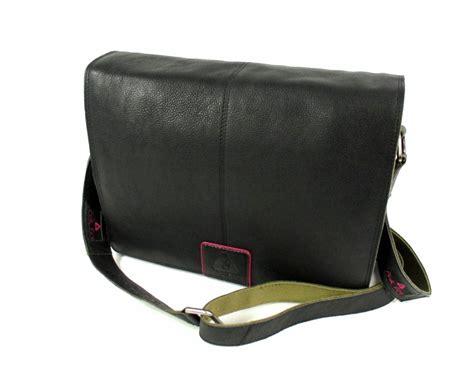 Tas Laptop Pink schouder laptop tas zwart gavetas nl