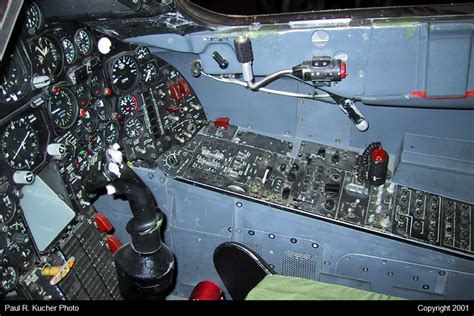Toasters Online The Forward Cockpit Of Sr 71 977 Atomic Toasters