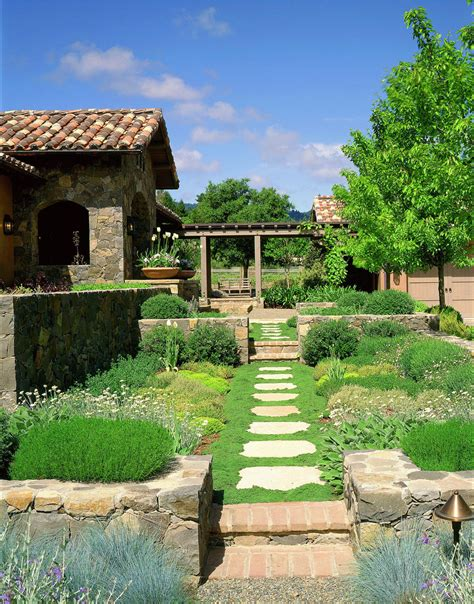 con il giardino progettare un giardino rustico pieno di colori e calore