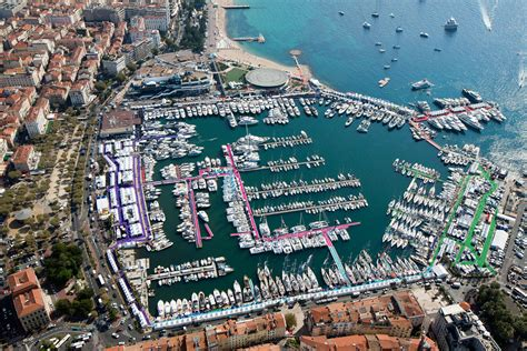 boat show cannes 6 good reasons to attend the cannes yachting festival