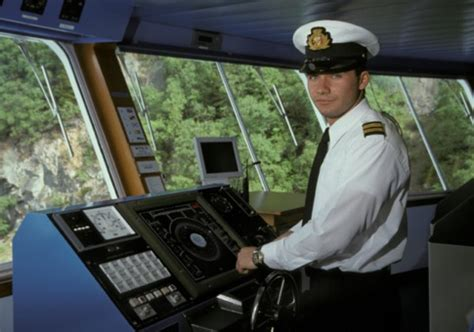 boat captain license levels in pictures jobs you can do in paradise