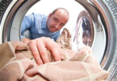 Wäsche Riecht Muffig Was Tun by W 228 Sche Stinkt Nach Dem Waschen 187 Ursachen Ma 223 Nahmen