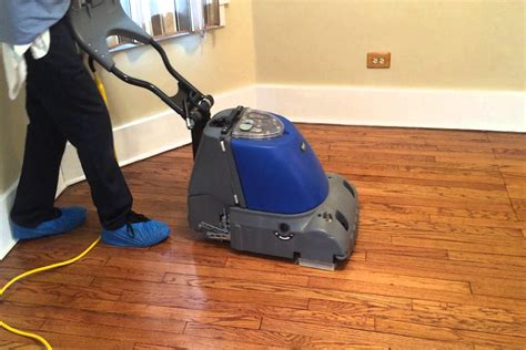 Which Cleaner Works Best On Laminate Flooring - how to clean and shine laminate floors