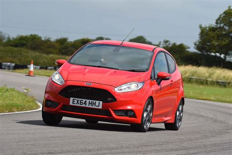 sale car uk best selling cars 2015 record year for uk car sales