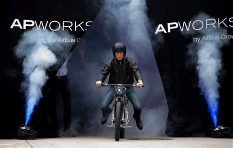 Light Rider by Light Rider 3d Printed Motorcycle By Airbus Apworks
