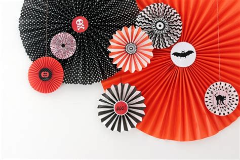 How To Make Paper Wheels - how to make paper wheel decorations for tuts
