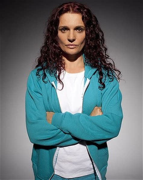bea smith hair color wentworth let me be your ruler you can call me queen bea