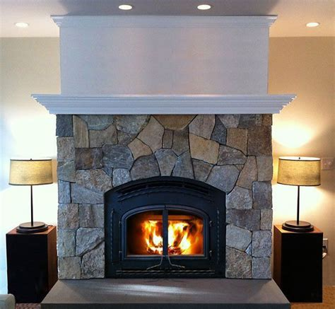fieldstone fireplace 17 best images about stone veneer fireplace on pinterest