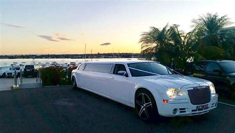 Chrysler Stretch Limo by Chrysler Stretch Limousine 10 Seater
