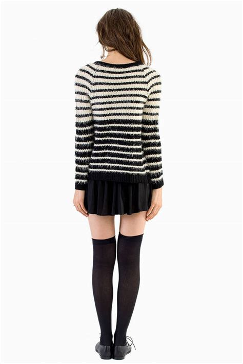 Sweater Line You Me Black Diskon ivory black cardigan white cardigan fuzzy cardigan 15 00