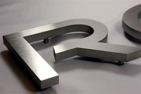 Klebebuchstaben Hausnummer by Metallbuchstaben De 3d Buchstaben Ziffern Zahlen