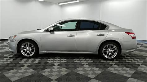 used nissan maxima 2010 pre owned 2010 nissan maxima 3 5 sv 4d sedan in