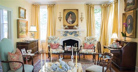 the glam pad bunny williams decorates a classic virginia the glam pad a classic and elegant southern cottage