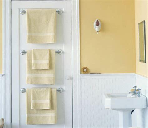 Tiny Bathroom Hacks Buzzfeed 10 Brilliant Tricks To Make A Small Bathroom Feel Big