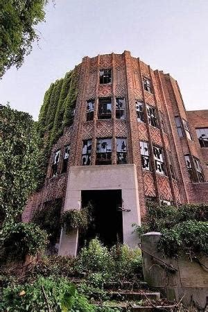 abandoned places in new york inside the lost island of new york eerie pictures of the