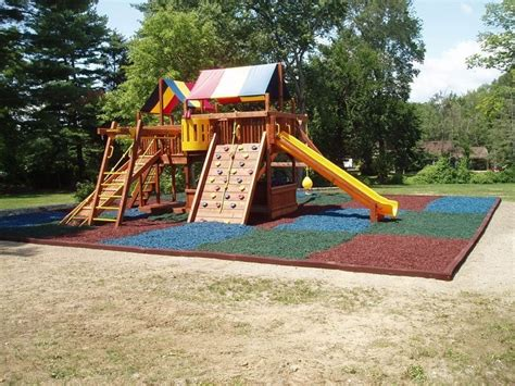 Rubber Mulch For Playground Calculator by Shredded Rubber Mulch For Landscapes Playgrounds
