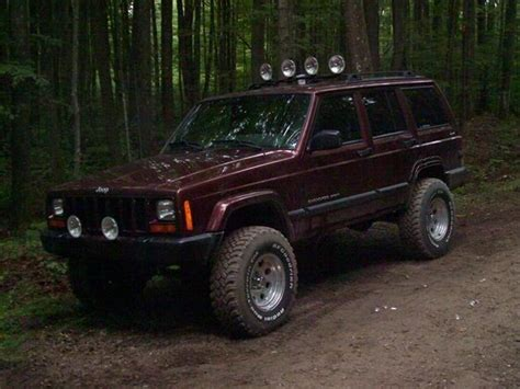 burgundy jeep burgundy maroon s look here jeep forum