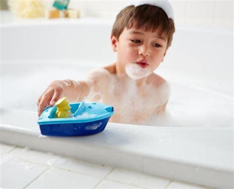 opblaasbaar bootje met motor babyspeciaalzaak het rietje badtijd en badplezier voor je