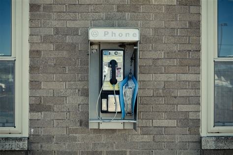 cabine telecom free photo pay phone telephone booth booth free image