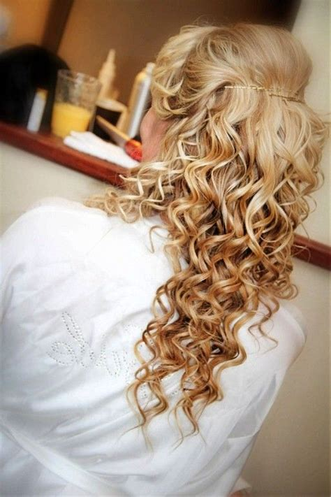 prom hairstyles tight curls tight curly hairstyles for prom tight curly hairstyles