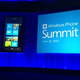 windows phone 8 to include rooms chat with