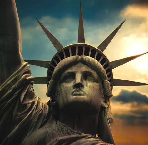 statue of liberty l ferienende diesen paaren begegnet man in jedem urlaub welt