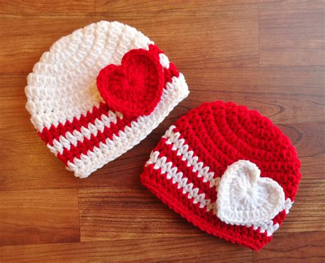 crocheted baby s day hat set white