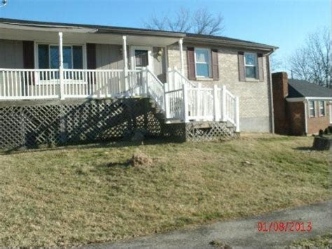 houses for sale winchester ky 215 holiday rd winchester kentucky 40391 reo home details foreclosure homes free